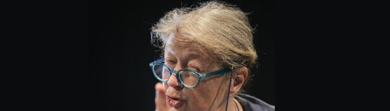 Åsa Eek Engquist som Vera i Flyga högt av Pia Naurin på Teater UNO/ENteater 2017 -