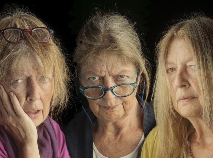 Åsa Eek Engquist som Bella, Vera och Veronika i Flyga högt av Pia Naurin på Teater UNO/ENteater 2017 -