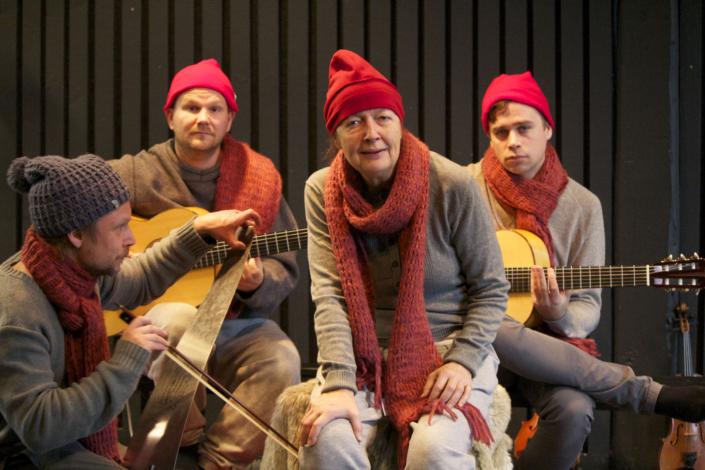 """Bild från """"Julaftonsögon"""" på Teater UNO"""